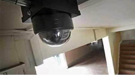 مراقبة مداخل الأبراج بالكاميرات